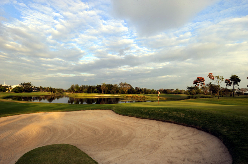 Thailand Lotus Valley Golf Resort