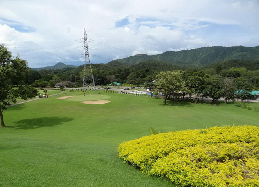 Sri Nakharin Dam Golf Course